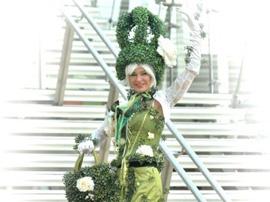 Topiary Stilt
