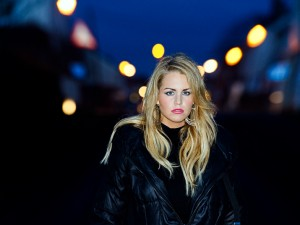 Sophie Way modern female singer