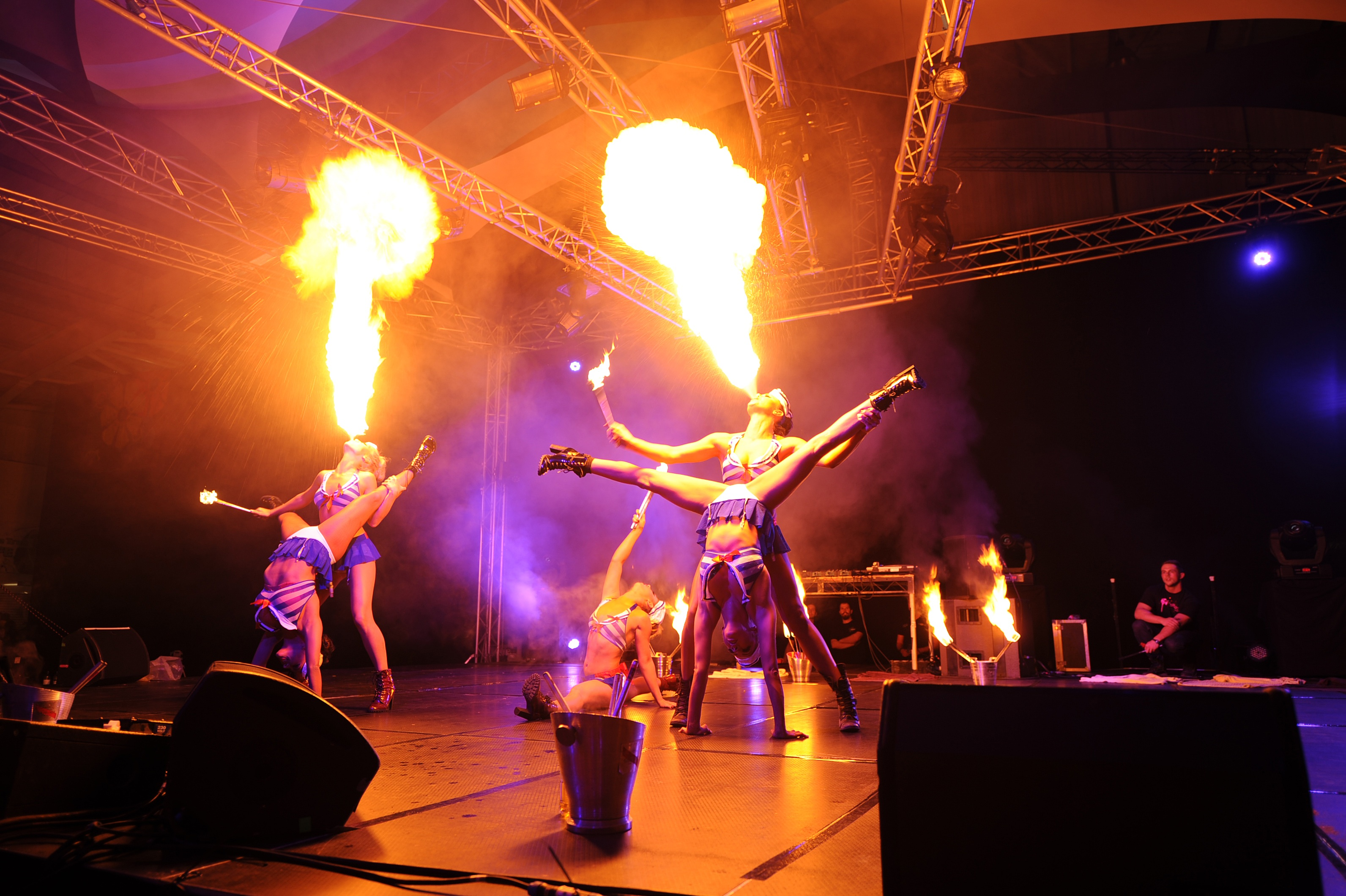Fire show act