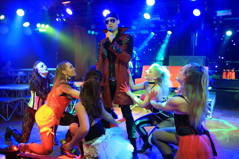 burlesque theme show hire