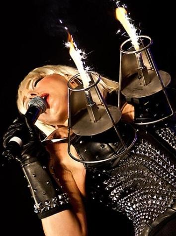 Lady Gaga Donna Tribute 2