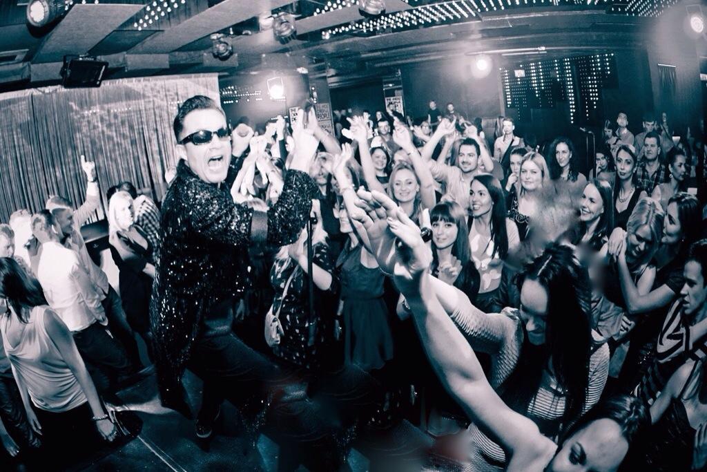 The UKS best Robbie Williams Tribute