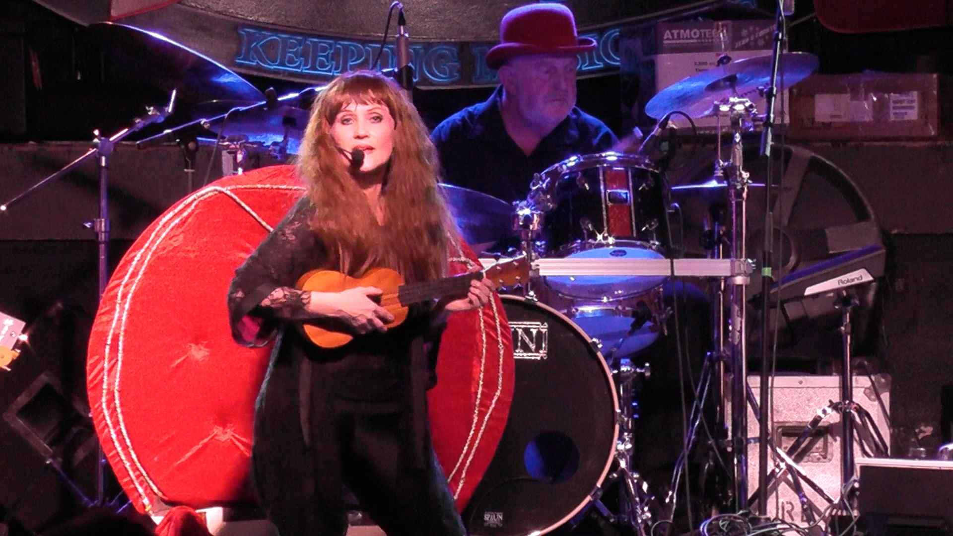 Kate Bush Tribute Band 3