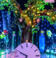 Alice in Wonderland clock & tree