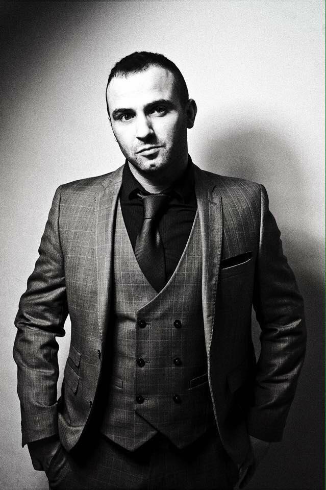 Ian Lawton Vocalist